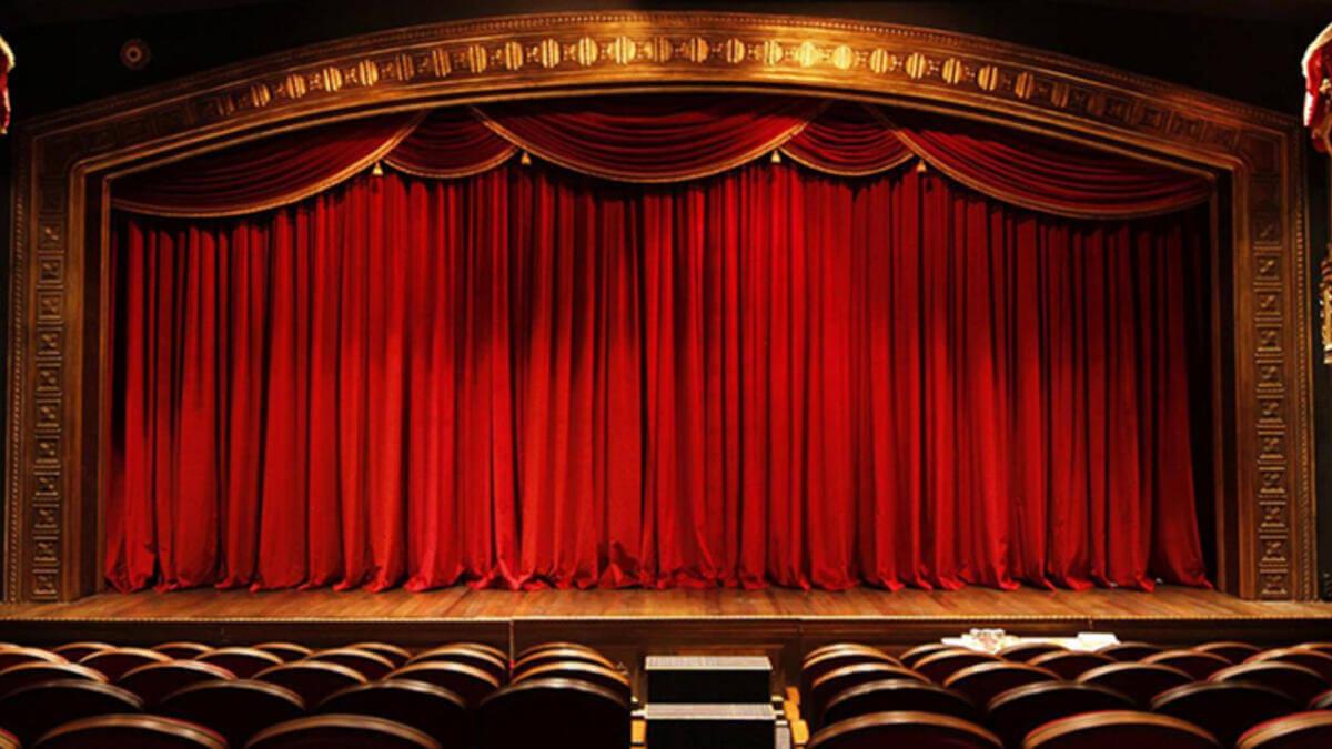 tiyatro özellikleri